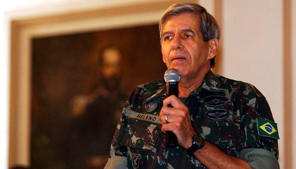 """General Heleno: """"Se desejam o parlamentarismo, mudem a Constituição"""""""
