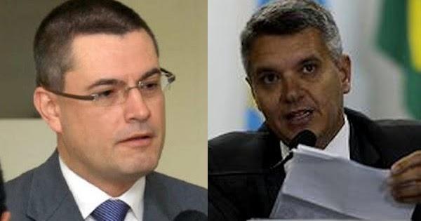 Em 8 meses, Bolsonaro afasta dois delegados da PF para proteger os filhos ~ Diário Online Brasil